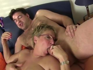 XXX Omas - Slutty Teresa R. sucks cock and eats pussy in foursome