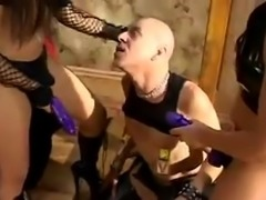 Two Hot Fendoms Strap On Fuck A Slave Guy