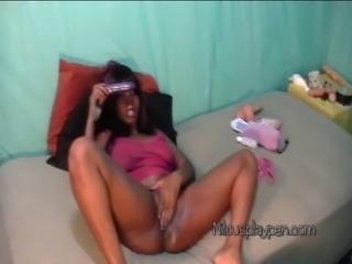 Nilou Achtland-4 Card Monty Amateur Masturbation Webcam Show