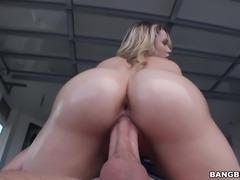 Beautiful huge ass Mia Malkova