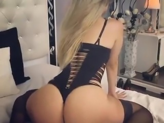 Amazing Ass Twerking