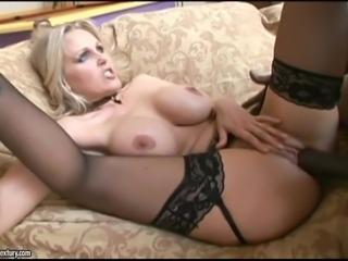 Hot interracial pleasure for the busty blonde mom Julia Ann