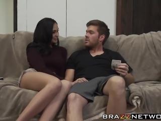 Horny babe rides hard dick like a pro
