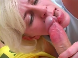 Divorced older Russian slut with saggy tits adores salacious affairs