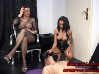2 GERMAN BDSM TEENS - FACESITTING TRAMPLING NS - REAL USER