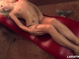 LARA TINELLI Jacqueline Teen is a natural one