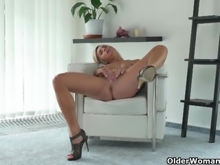 Skinny milfs Sunny and Maria need getting off