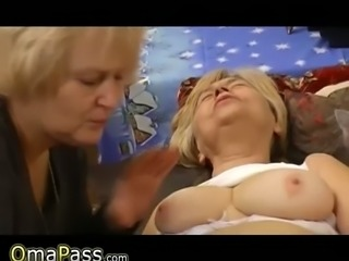 Fat blonde granny takes a piss before giving lesbian show with her GF
