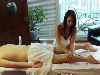 Bailey K. First Time Handjob Massage