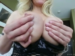 Nasty blonde mom with huge boobies give hot titjob