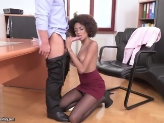 Gorgeous Luna Corazon wants to play with a fortunate man's penis