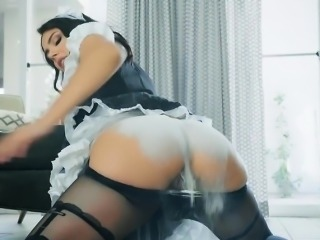 Beautiful Maid Valentina Nappi Gets Wet In The Shower