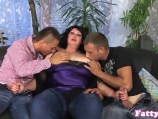 Fat milf cumsprayed on bigboobs in threesome