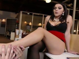 Spoiled Italian hottie Valentina Nappi had steamy oral sex with young kinky...