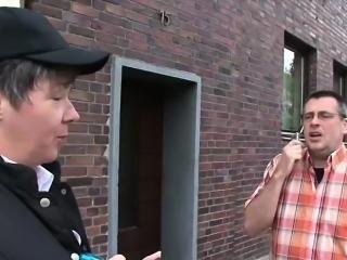 Karl bangs the traffic officer to avoid fine