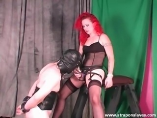 Strapon Sucking Sissy