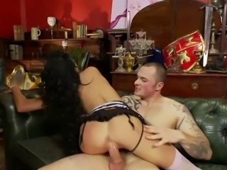Tattooed slut sure knows how to suck cock