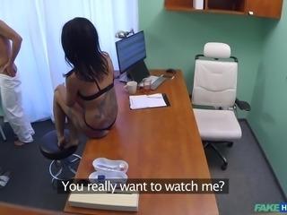 amanda makes the doctor cum