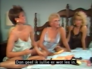 Amazing FMM threesome with beautiful blonde classic milf