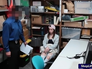 Teen thief Hayden Hennessy gets pussy drilled by LP officer