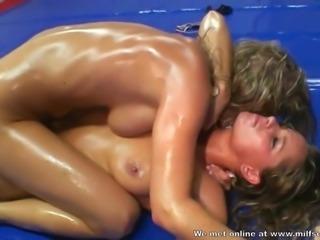 Horny Wrestling girls met each for fighting