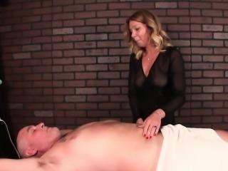 Mature masseuse humiliates her client