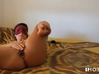 Diana Cu De Melancia is proud of her big booty and she loves masturbating