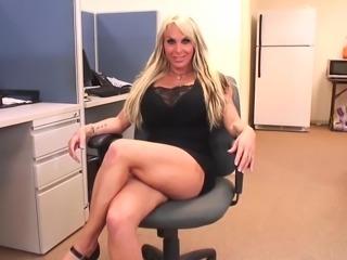 Porn Queen Holly Halston