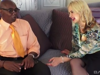 Hot PAWG Sarah Vandella knows how to handle her black lover's mighty dick