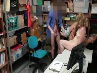 Thieves Bonnie and Maya sucking big dick in office