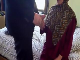 Muslim womancompeer and show arabic family No Money  No Problem