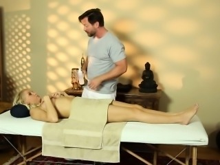 Faketit slut banged hard by masseurs cock