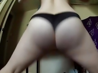 Blond PAWG Twerking