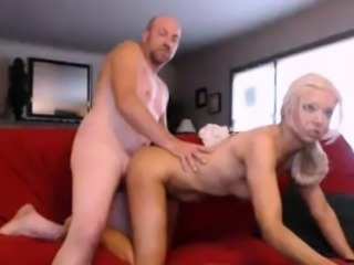 Amateur mature couple doggystyle fucked on webcam