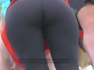 Candid Yoga Booty Footage 1