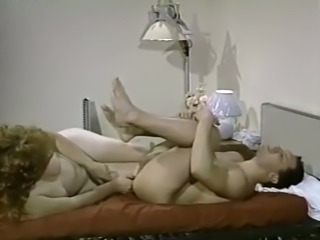 Big and meaty dude pleases pale skin milf lady on the bed