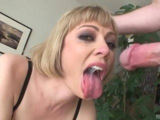 Throating the hot blonde Adrianna Nicole can only end with a facial