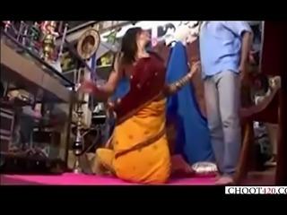 Lucknow ki randi ki chudai dukan mai - choot420.com