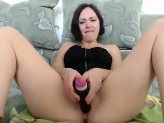 Blonde from masturbate with ohmibod on webcam