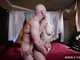 Sammie Six seduces a handsome lover for a romantic fuck