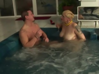 Terrie is very experienced when it comes to taking dicks in her holes