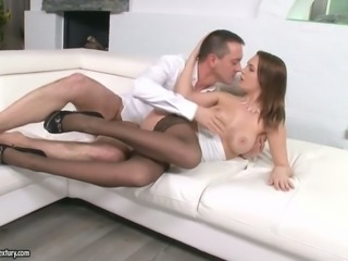 Bonny dark haired bitch in sexy nylon stockings gets her big muff nailed in...
