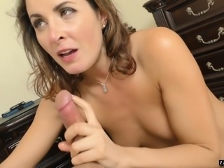 Insatiable brunette woman spreads her legs for a fat dong