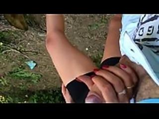 namorada batendo punheta no mato - RedNails handjob