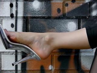 Feet 028 - Clear Mules