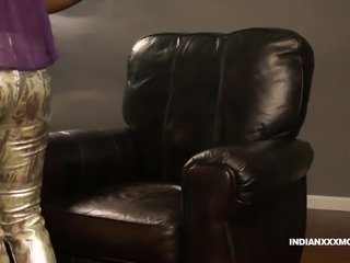 Juicy Pussy Indian Babe Gauri XXX Modelling In Lounge On Sof