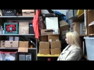 shoplifting 5 girl caught by guard nice koooool video