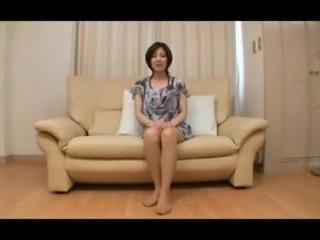 Skinny Japanese MILF Creampied!