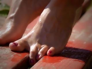 Feet 030 - Just Playin' Around
