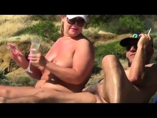 Amateur BBW MILF Fucking on The Beach